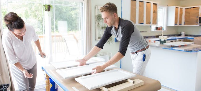 Comment repeindre les placards de sa cuisine ?